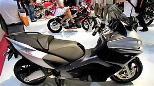 Scooter Aprilia 850 : 2014 aprilia srv 850 abs atc scooter walkaround 2013 eicma milan motorcycle exhibition youtube ~ Medecine-chirurgie-esthetiques.com Avis de Voitures