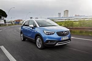 Avis Opel Crossland X : essai opel crossland x 1 2 turbo notre avis sur le nouveau crossland photo 15 l 39 argus ~ Medecine-chirurgie-esthetiques.com Avis de Voitures