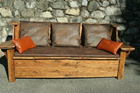 canape cuir bois canapé convertible design avec coffre de rangement