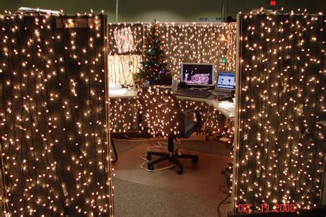 Office Cubicle Decorating Contest by Cubicle Decor On Cubicles Cubicle Decorations