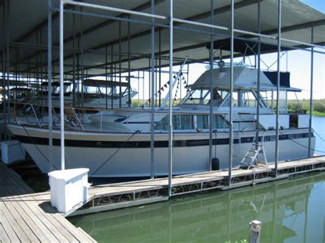 1985 Chris Craft Deck Boat by Chris Craft Boats For Sale 4 Boats