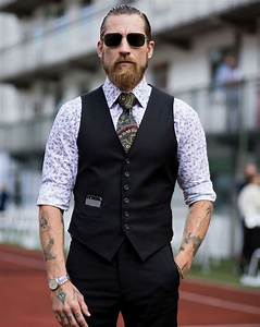 18b480fb796 Tenue Homme Classe. la tenue homme classe affirme son go t fin pour ...