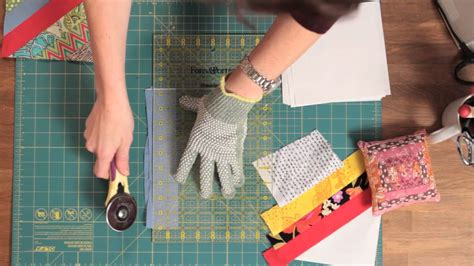 How To Make Fall Decorations At Home: How To Make A String Quilt