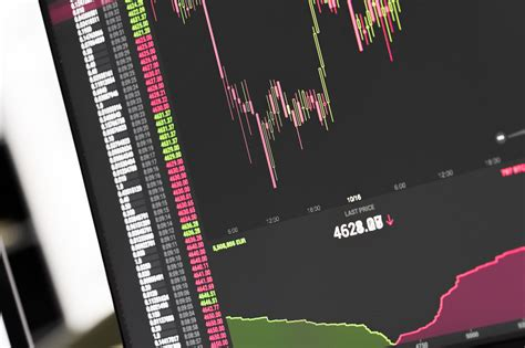 Bitcoin's total supply is limited by its software and will never exceed 21,000,000 coins. bitcoin-btc-stock-exchange-live-price-chart-picjumbo-com   ワースタ - Workstyle Reformers
