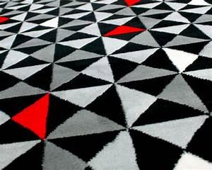 tapis gris noir rouge 14 idees de decoration interieure With tapis rouge gris noir