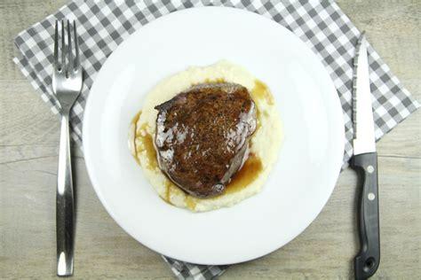 cuisiner tournedos tournedos de bison et purée de céleri une recette de