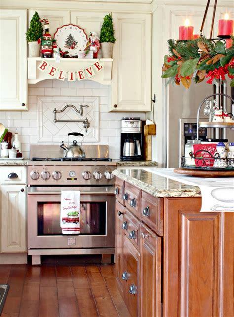 Wonderful Christmas Kitchen Decor Ideas To Make It Cozier