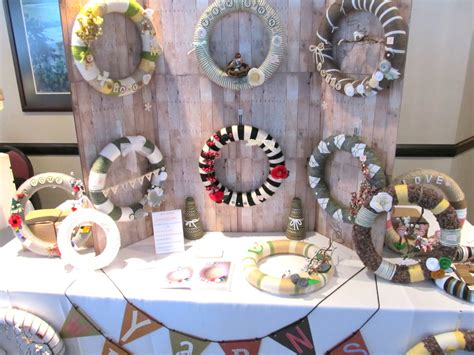 craft show yarn wreath booth  created  wall  hang  flickr