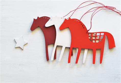 wooden horse christmas ornaments set   folk tree