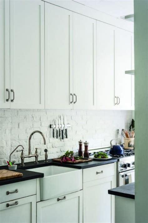 white kitchen brick backsplash 25 timeless brick kitchen backsplashes comfydwelling 1329