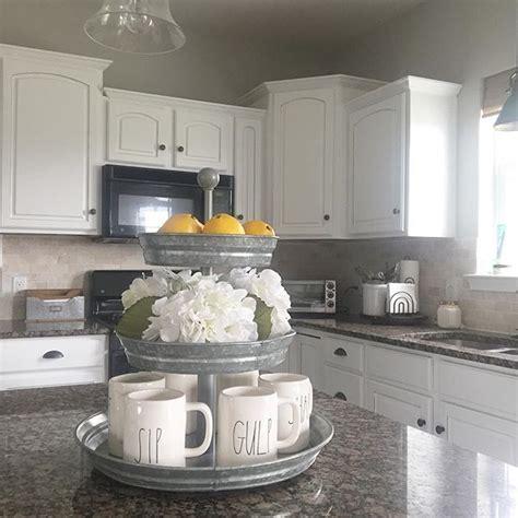 Best ways to decor a kitchen ? Pickndecor.com