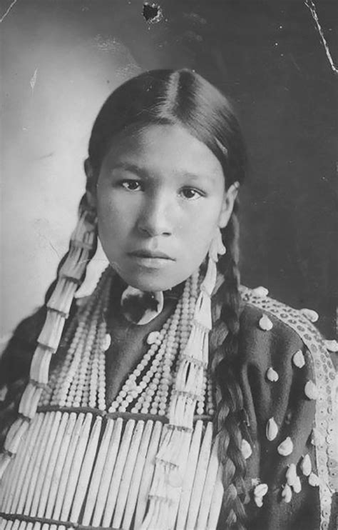 1800s 1900s Portraits Of Native American Teen Girls Show