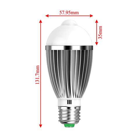 glühbirne mit bewegungsmelder 7w warmwei 223 e27 led birne gl 252 hbirne mit bewegungsmelder pir sensor le licht ebay