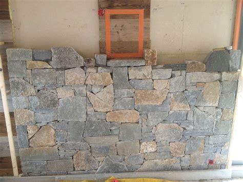 habillage mur exterieur en habillage d un mur en pierres naturelles