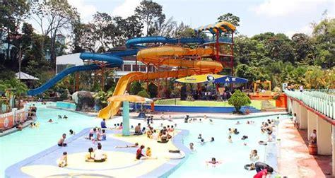 tempat wisata kolam renang  bandung menarik wajib