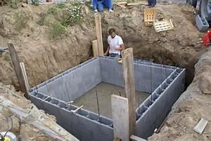 Cuve Eau De Pluie Enterrée : cuve eau de pluie beton courroie de transport ~ Edinachiropracticcenter.com Idées de Décoration