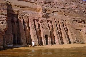 Panoramio - Photo of Temple of Nefertiti - Abu Simbel - 1964