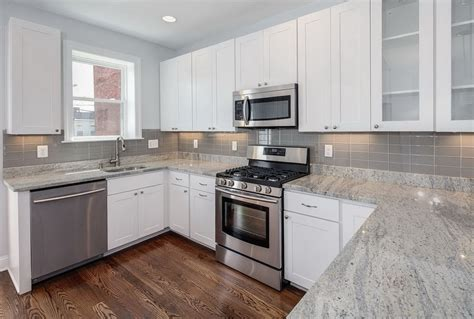 pictures of kitchen backsplashes with white cabinets backsplash subway tile white cabinets the home redesign 9722