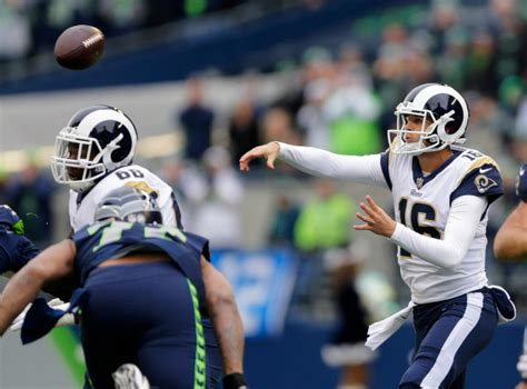 todd gurley  defense lead rams  blowout  seattle