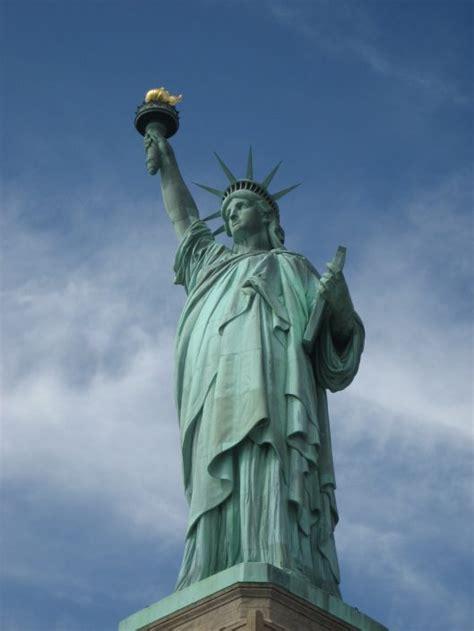 freiheitsstatue das symbol fuer freiheit und unabhaengigkeit
