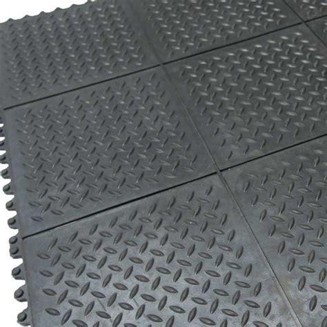 """Revolution Diamond Plate"" Interlocking Floor Tiles"