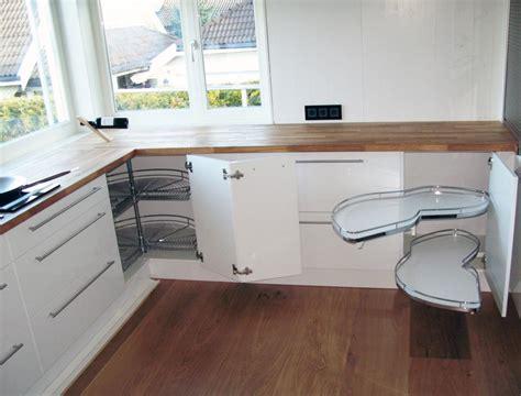 virtuves iekārta - UP mēbeles