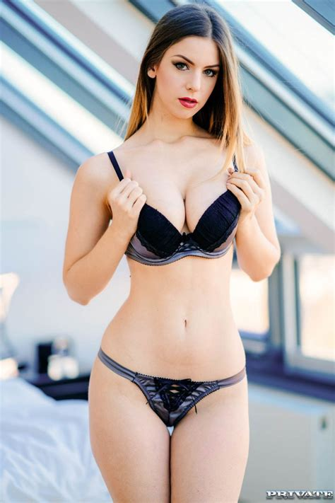 Stella Cox Removing Her Clothes And Showing Big Boobs Big Boobs Photos