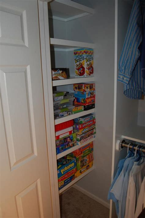 Shelves In The Closet by Closet Shelving Layout Design Thisiscarpentry
