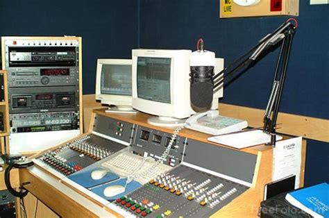 modern radio listen live