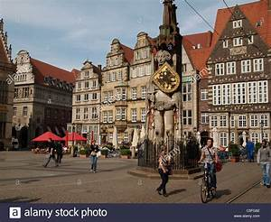 Bild Bremen De : der roland statue am marktplatz bremen bremen deutschland freie hansestadt stadt bremen ~ Pilothousefishingboats.com Haus und Dekorationen