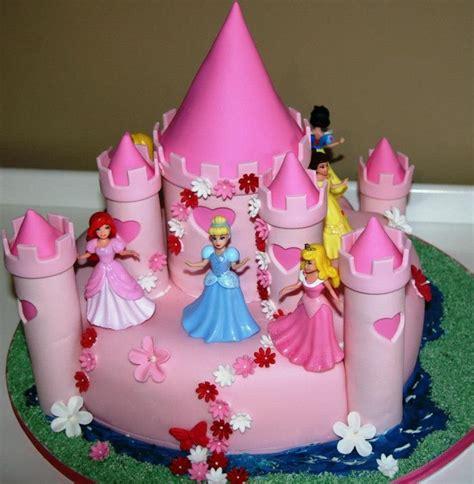 disney princess birthday cake disney princesses castle cake featuring snow white Awesome