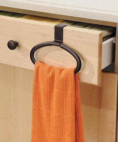 Kitchen Towels That Hang by Best 25 Kitchen Towels Hanging Ideas On