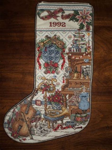 completed cross stitch country crafts heirloom christmas