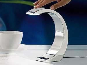 Lunartec Nachttischlampe: 5 Watt LED Design Tischlampe