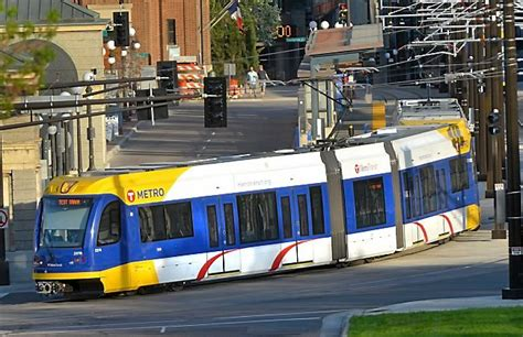 light rail mn green line nuts and bolts how the green line trains work cities