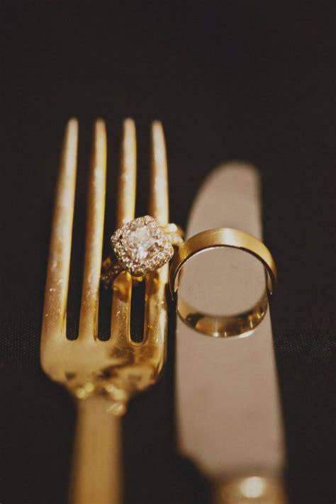 unique and creative wedding ring photo idea 1527429