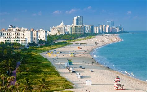Miami Beach  World famous Ocean Drive   Beautiful Places on Earth   Travel Blog