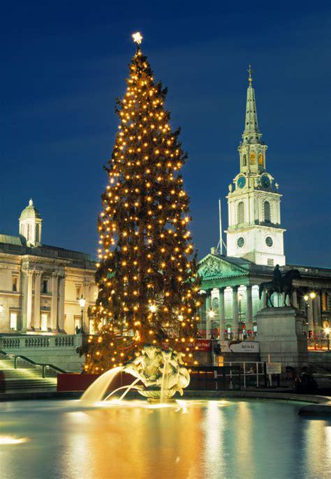 what time is the trafalgar square christmas tree lighting