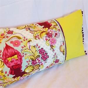 Coussin Boheme Chic : housse de coussin style boh me chic tissu designer et lin n on jaune et rose textiles et ~ Melissatoandfro.com Idées de Décoration