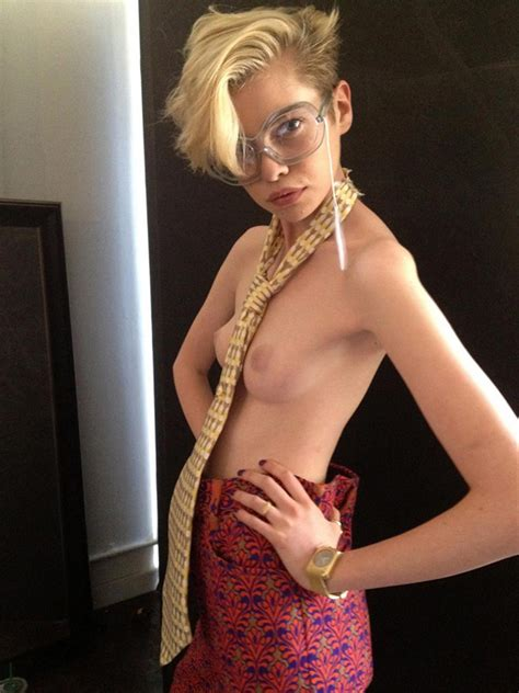 Stella Maxwell Naked Photos Collection Scandal Planet