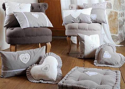 galet de chaise galette de chaise grise verone coeur coussin de chaise