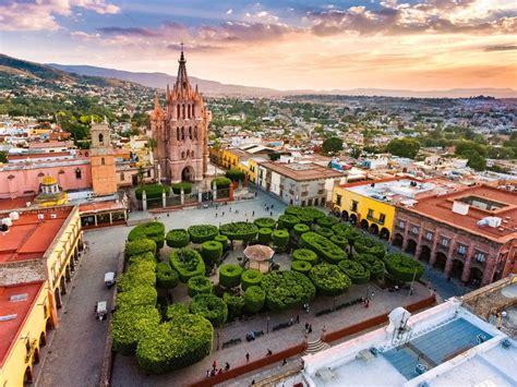 San Miguel de Allende Travel Guide