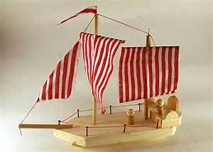 Schiff Basteln Holz : schiff basteln holz segelschiff aus holz und korken natur basteln meine enkel und ich roba ~ Frokenaadalensverden.com Haus und Dekorationen