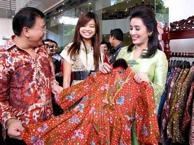 Iu Batik 5 setahun sudah batik indonesia mendapat pengakuan dunia