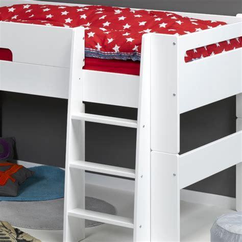 chambre de petit gar輟n lit garçon original lit enfant original pour une chambre de fille et de gar on lit original enfant terra haba secret de chambre lit
