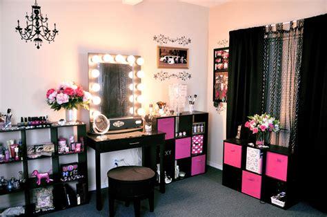 Vanity Tour/ Makeup Collection 2012!