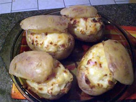 cuisiner des lardons recette de pommes de terre au four aux lardons