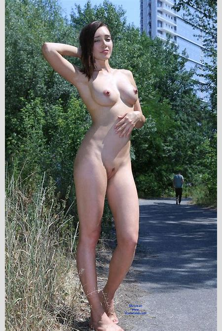Naked Teen In Outdoor - October, 2016 - Voyeur Web Hall of Fame