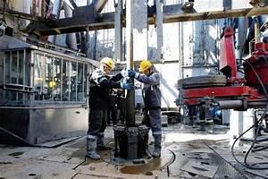 Glencore, Qatar Buy Stake in Russian Oil Producer Rosneft ...