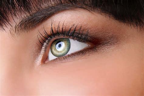ways    eyes  bigger perks  style